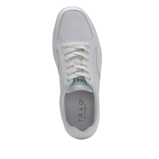 Baseq White smart shoes with Q-chip technology. BAS-M7100_S4