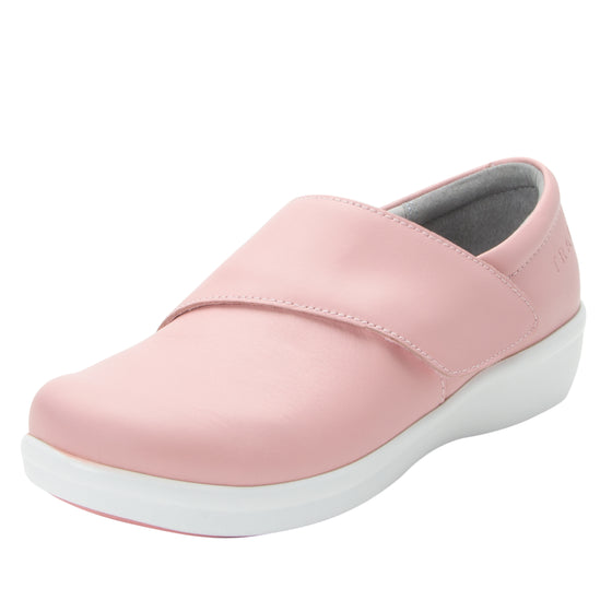 Qin Blush smart slip on shoes with Q-Chip technology. QIN-5650_S1