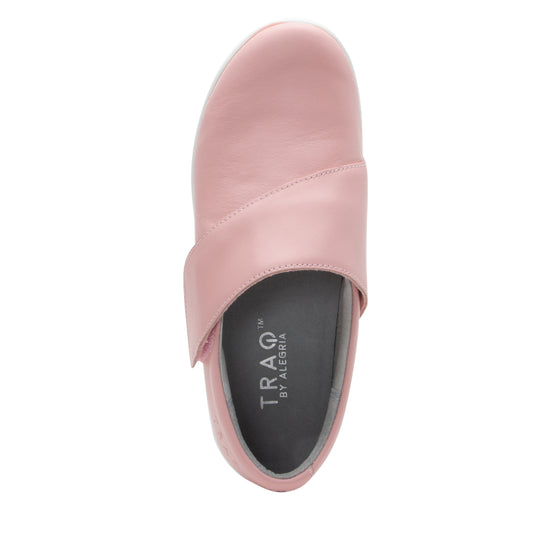 Qin Blush smart slip on shoes with Q-Chip technology. QIN-5650_S4