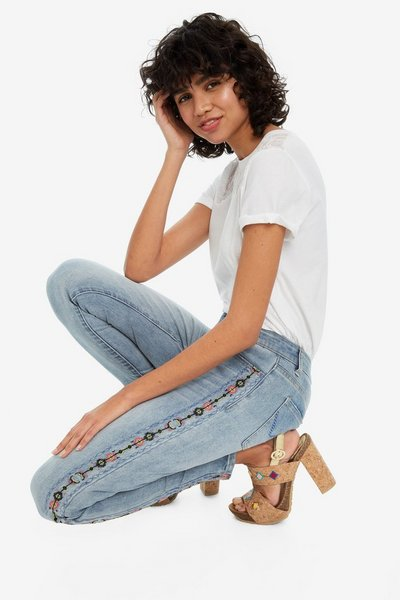 Side Embroidered Cigarette Jeans