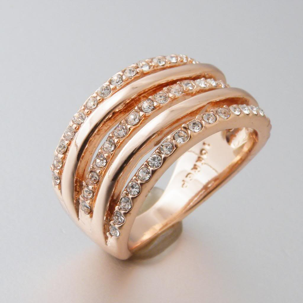 18ct Rose Gold Plated Ring with Swarovski Crystals