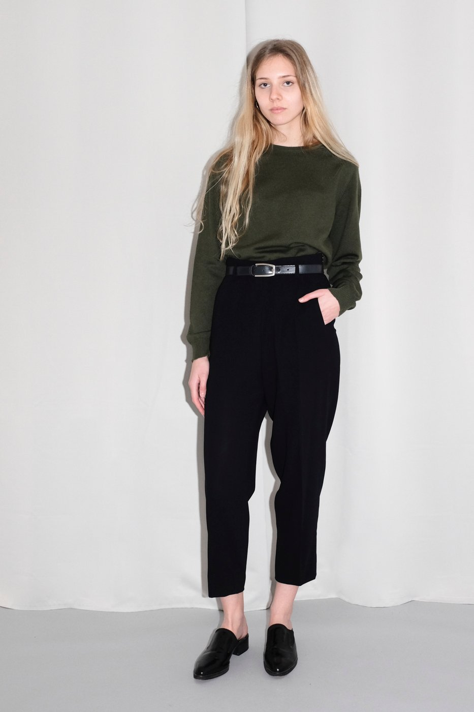 0283_WOOL HIGH WAIST BLACK CARROT PANTS