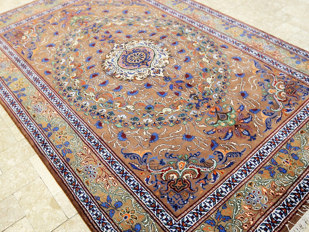 Traditional Mood Rug