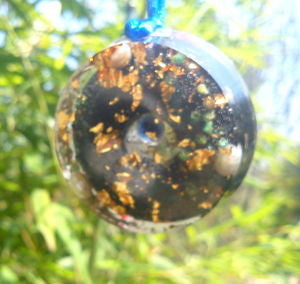 Orgone pendant, saphire, pearls and shungite.
