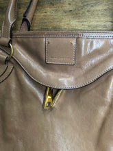 Load image into Gallery viewer, Marc Jacobs tan shoulderbag