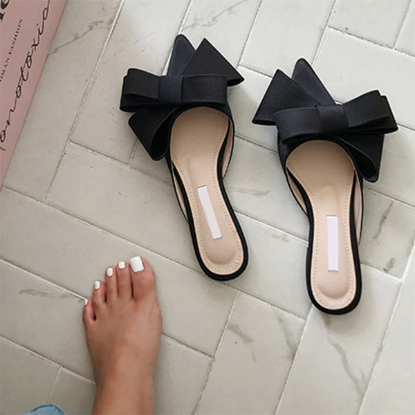 Cute flat heel slipper