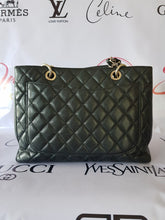 Load image into Gallery viewer, Authentic Chanel Gst Caviar manila