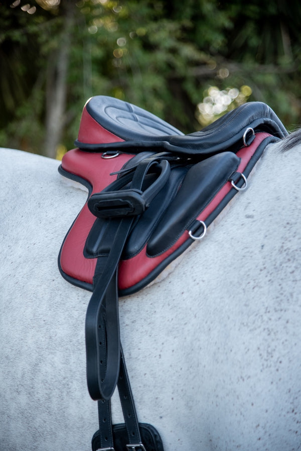ST-SD/014 Red & Black Leather Treeless Saddle