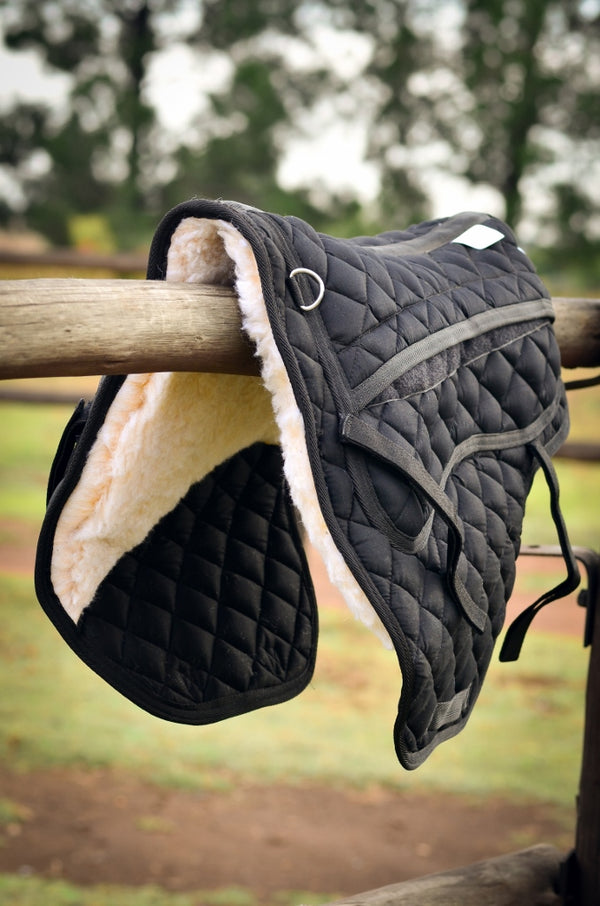 Treeless Saddle Pad in Black with Padding