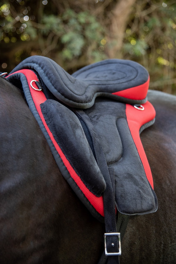 ST-SD/003 Red Synthetic Treeless Saddle