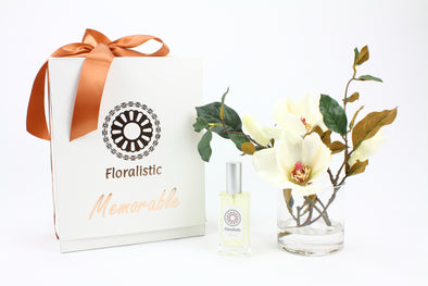 Memorable Gift Box with Magnolia arrangement and 50ml aroma spray