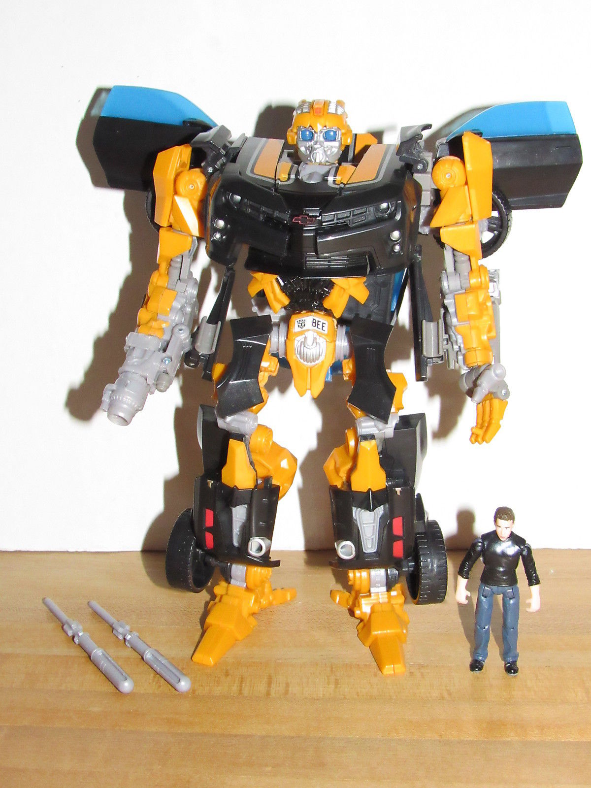 Transformers Dark of the Moon Human Alliance Bumblebee & Sam Witwicky