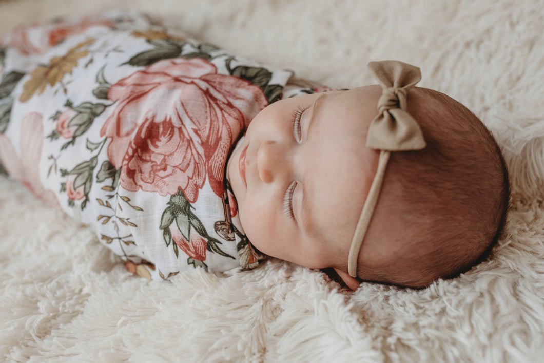 Garden floral swaddle & crib sheet bundle