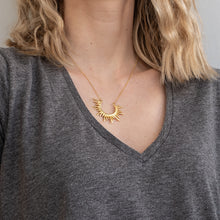 Load image into Gallery viewer, girl with 3rdfloor handmade jewellery Horizon necklace gold