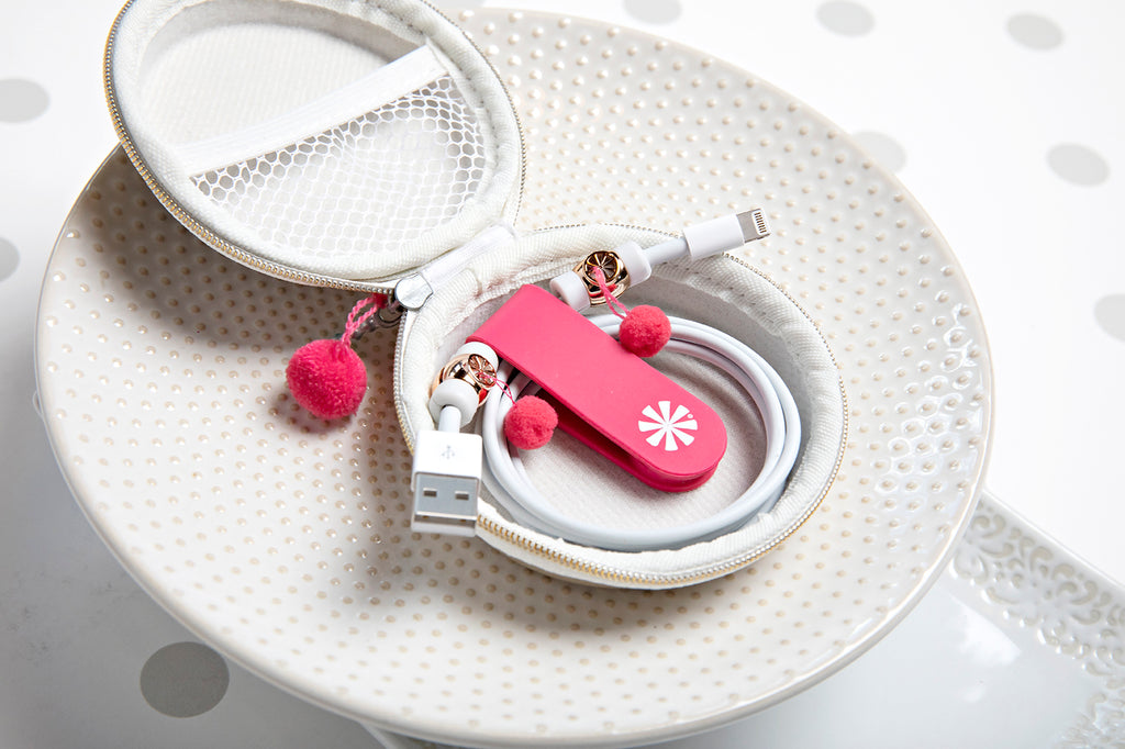 Close up of Cord Order 4-Piece Gift Set : Gold/Pink