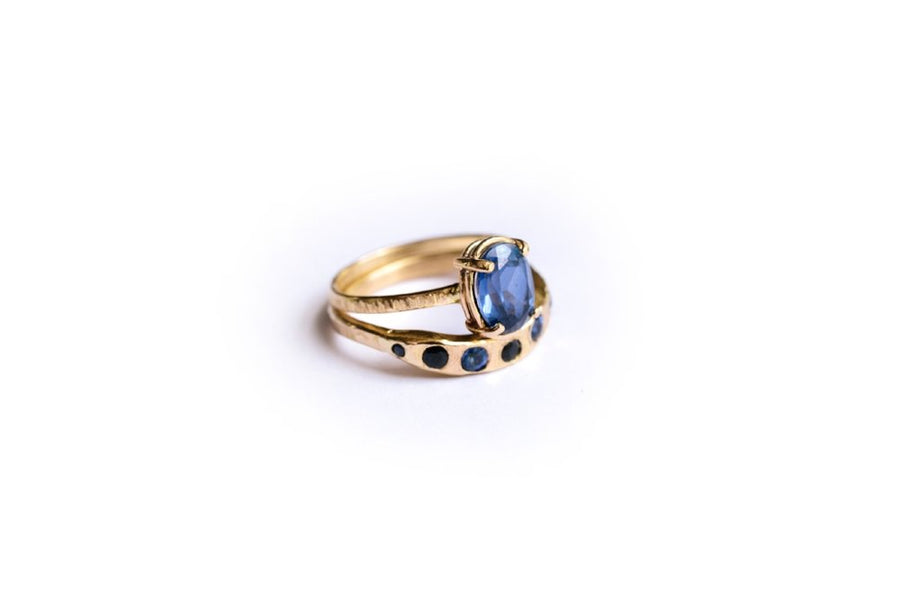Oval Sapphire 14k Hammered Gold Engagement Ring Set