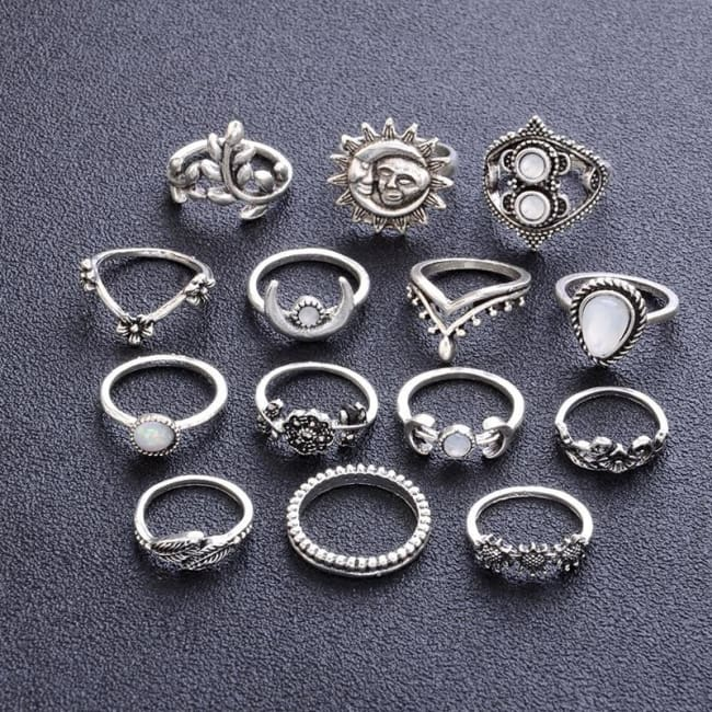 CRYSTAL MOON RING SET-Rebellious Creatures