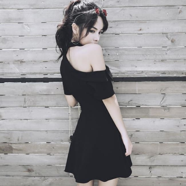 DEMURE BLACK DRESS WITH CHIC CHOKER-Rebellious Creatures