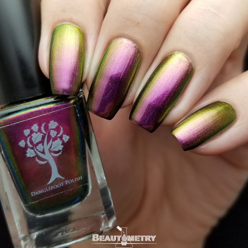 loki multichrome nail polish