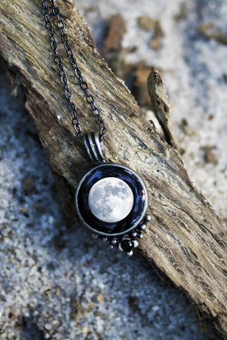 MOONGLOW CLASSIC NECKLACE