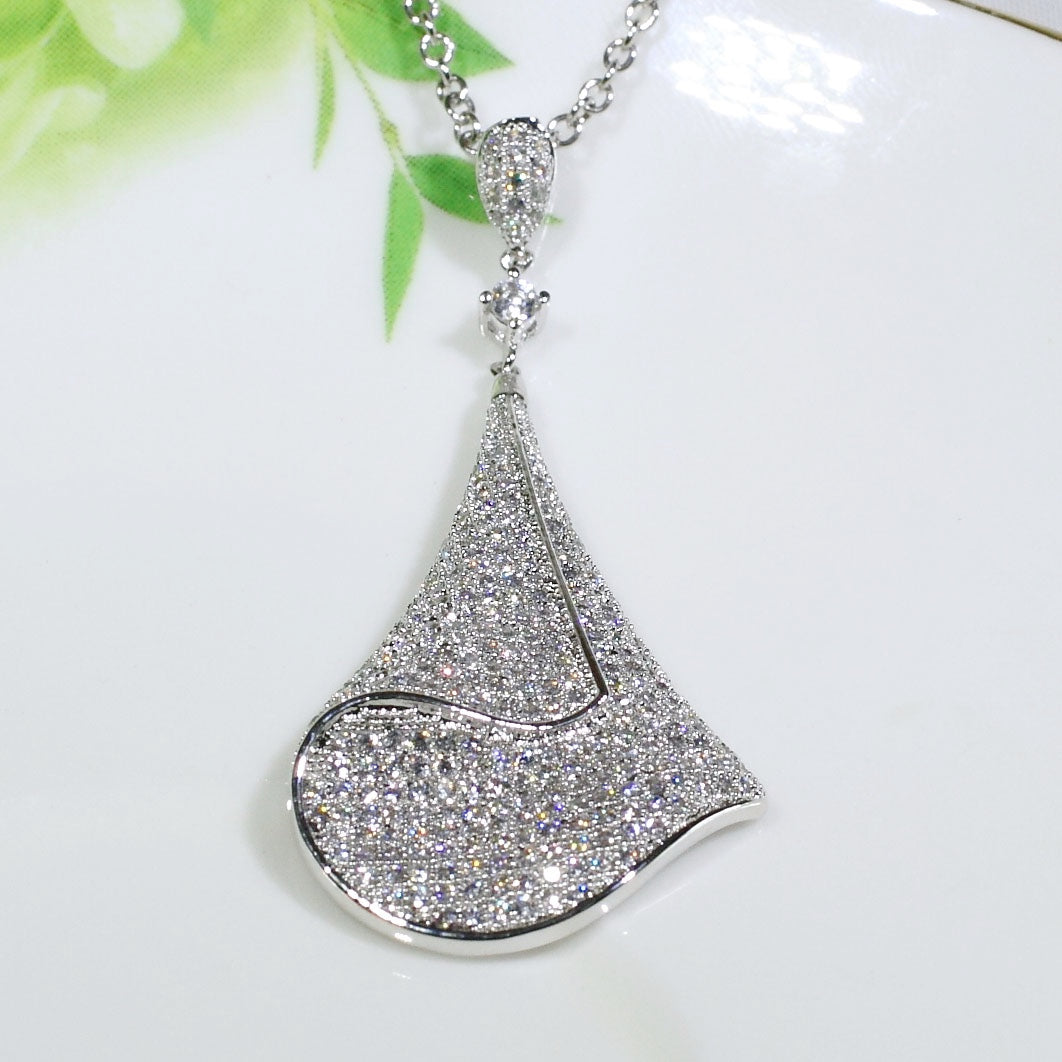 ID: P2694 Women 18K White Gold GF Shining Clear Stones Unique Design Dangle Pendant Fashion Lady Anniversary Party Jewelry