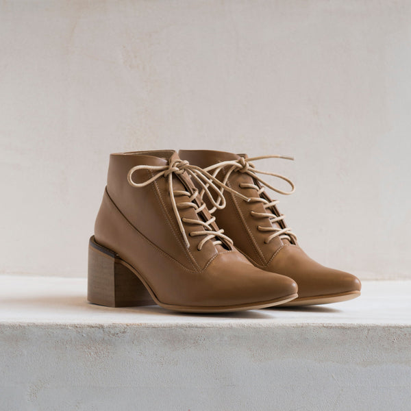ANDRE LACE UP Mocha beige - house-of-lax