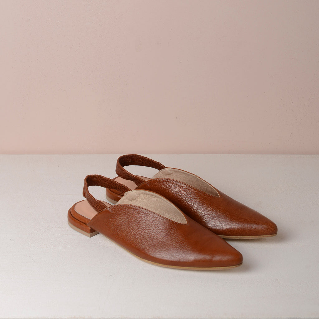 BILLIE V FLATS Brown - house-of-lax