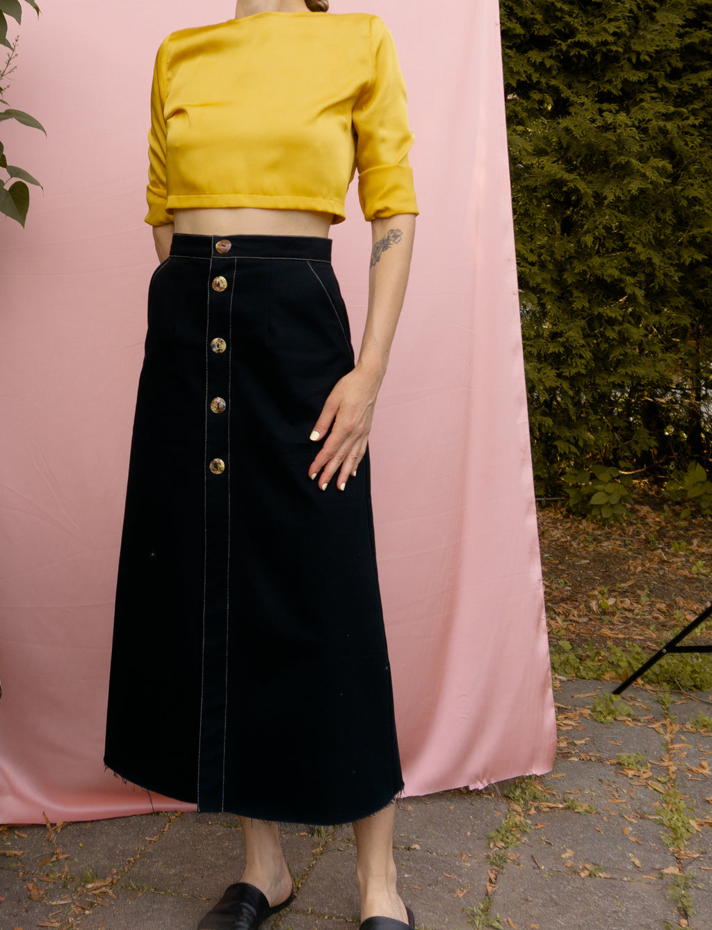 Open back crop top ~ Mustard Satin - auslästudio