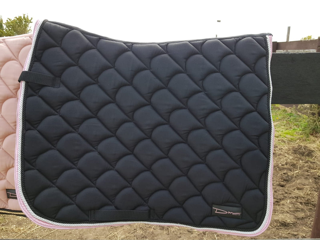 Black saddle pad