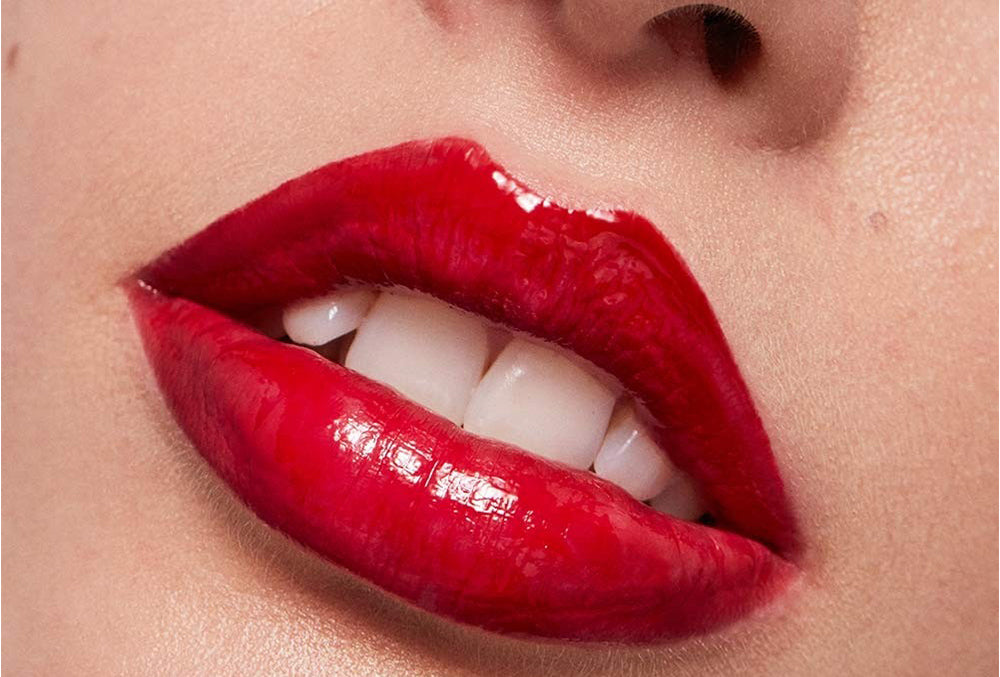 How to master vinyl red lips