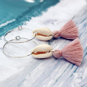 Small Cowrie With Dusky Pink Tassel Silver Hoop