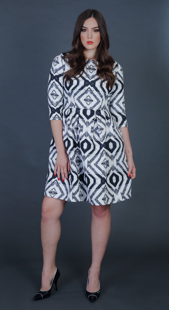Valeria Black/white Dress