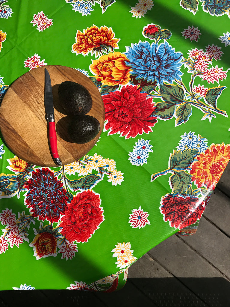 "Mums Green 68"" Round Tablecloth"