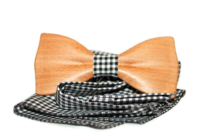 Wooden bow tie with adjustable strap and pocket square