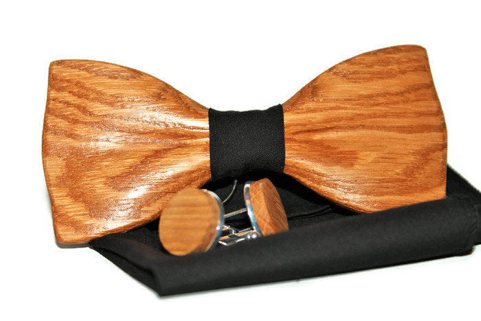 Cufflinks for men with oak wood bow tie and pocke square