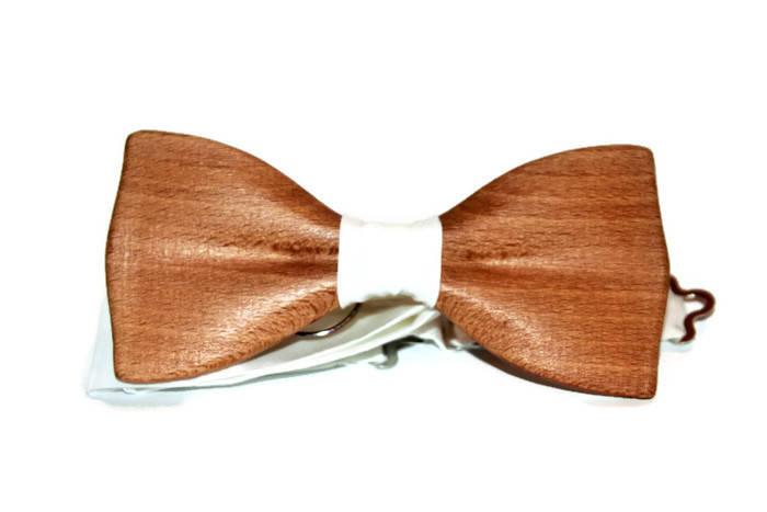 Wooden Bow tie. Groomsmen Gifts. Wood bow tie for men. Personalized bow tie. Boyfriend Gift.