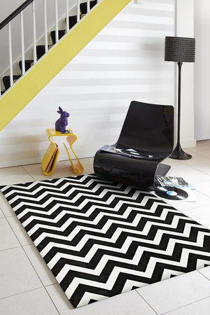 City Stunning Chevron Design Rug Black White