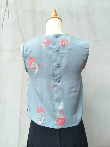 Gray-cefully yours | Vintage 1980s does 1920s style Short top with Novelty print
