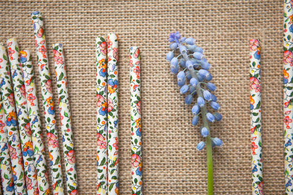 Set of 25 Pretty Floral Paper Straws