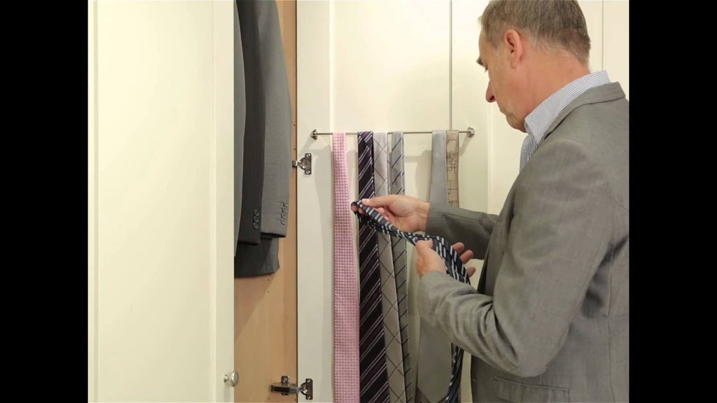 Make choosing the right tie even easier with our stylish tie racks, which can be configured to your wardrobe design choice.
