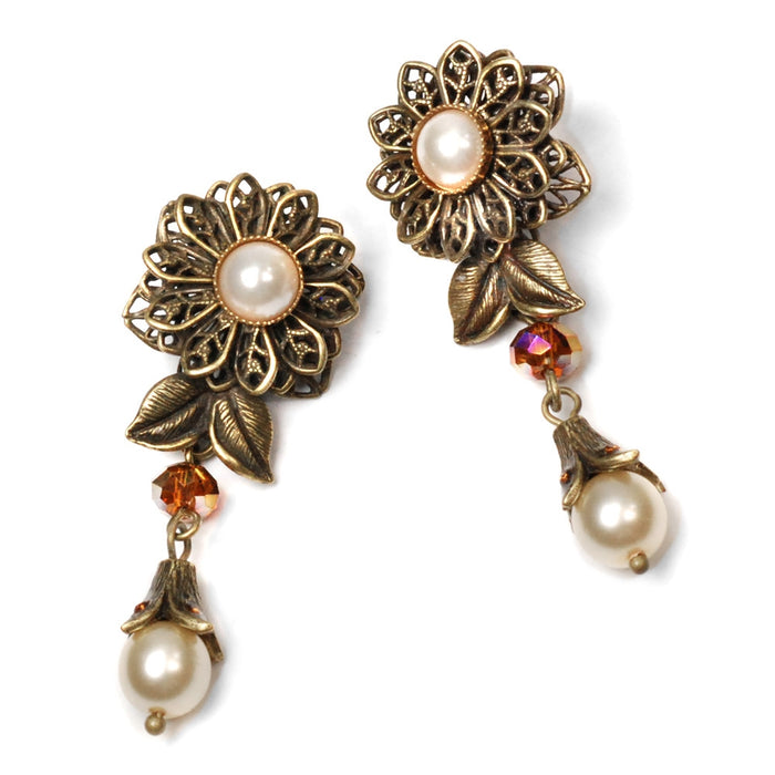 Pearl Flower Earrings E1108