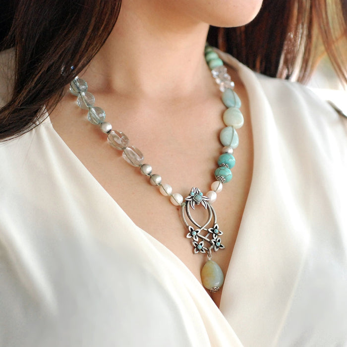 Flower Trellis Gemstone and Pearl Necklace N1378
