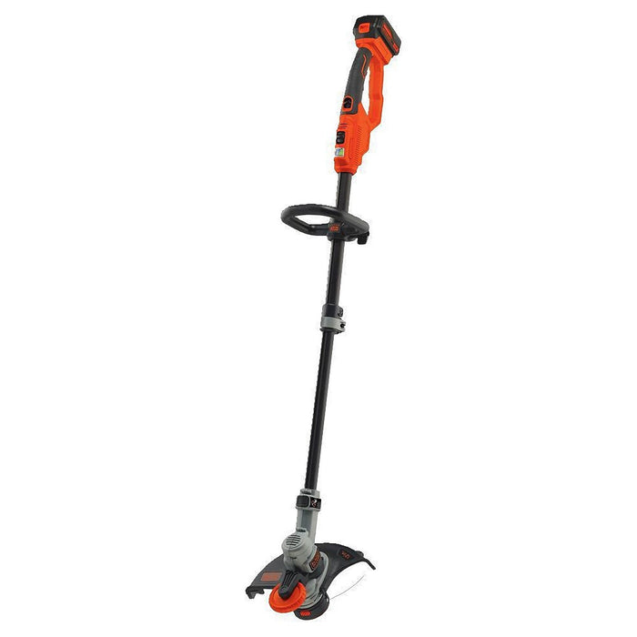 Front View of the Black and Decker LST400 String Trimmer