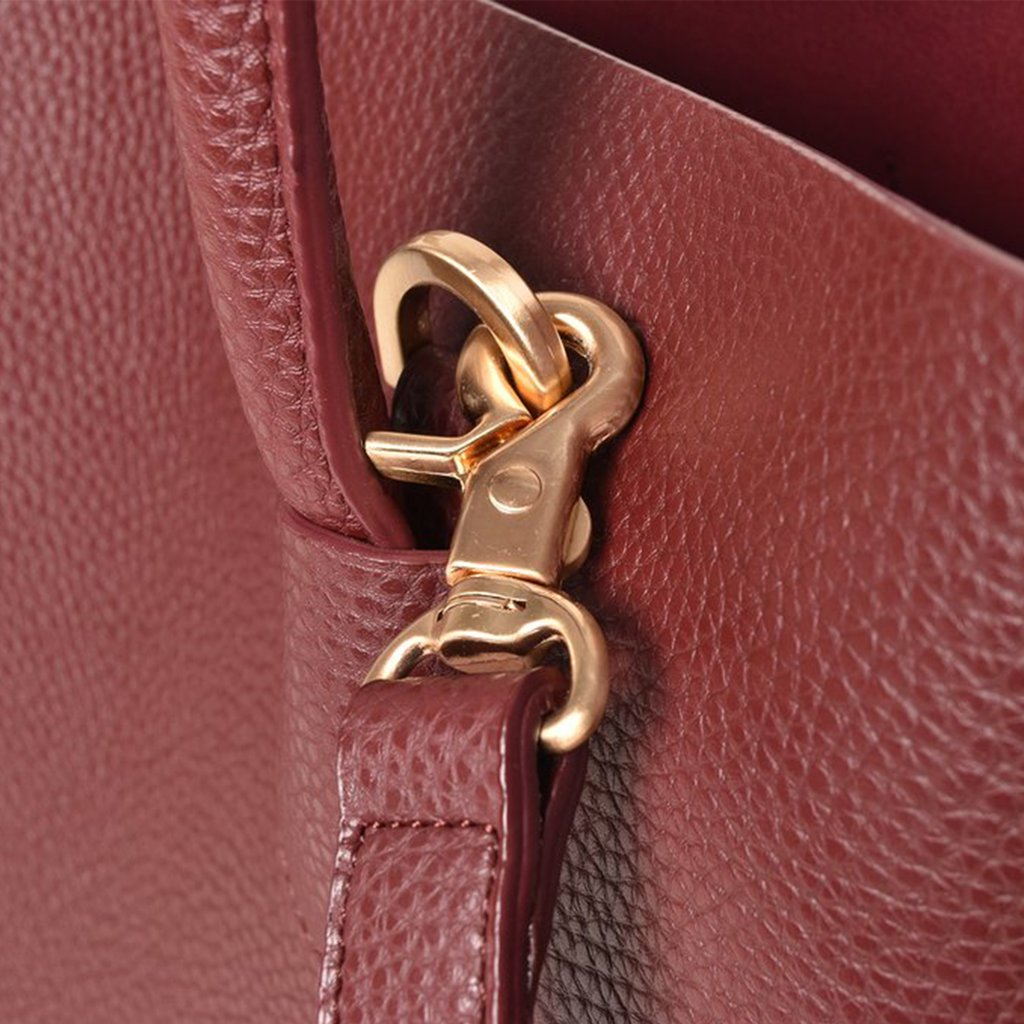 Angela Roi Vegan Cher Tote in Bordeaux, hardware close up