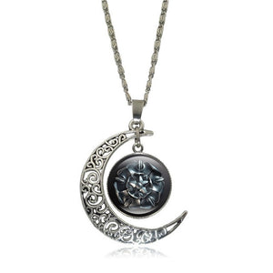 Game of Thrones - Crescent Moon w/ House Tyrell Glass Pendant Necklace - Jewelry - TheGeekLeak.com