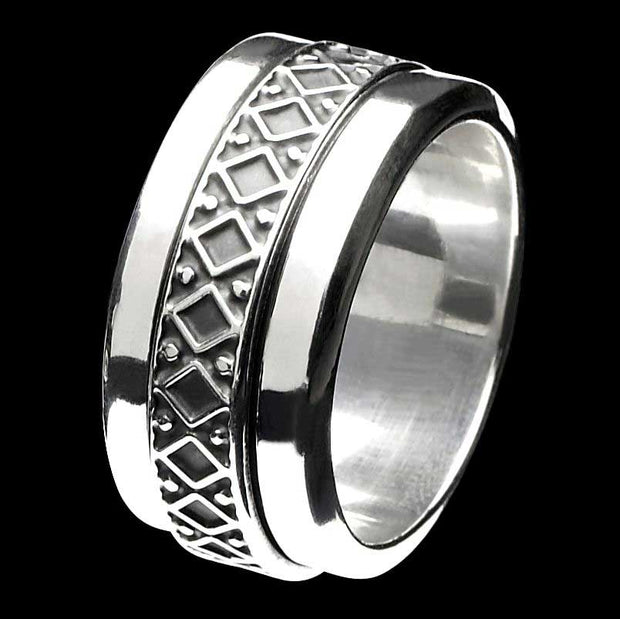 Amalthea silver spinner ring