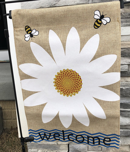 Daisy Welcome Garden Flag
