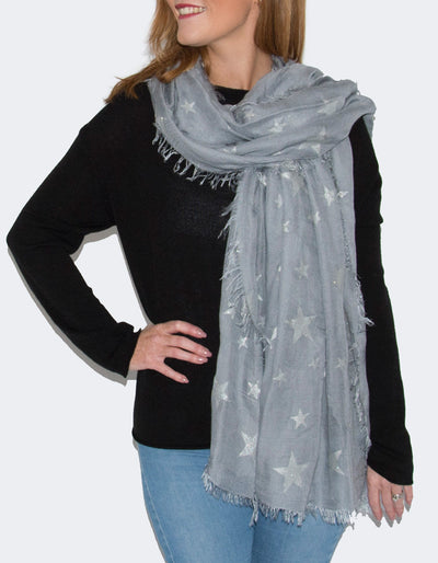 an image showing a grey star scarf