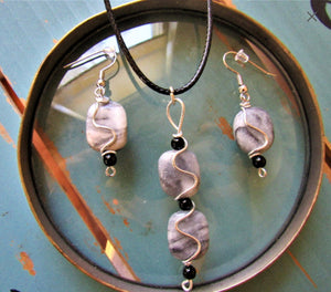 Polished Marble Jewelry Set