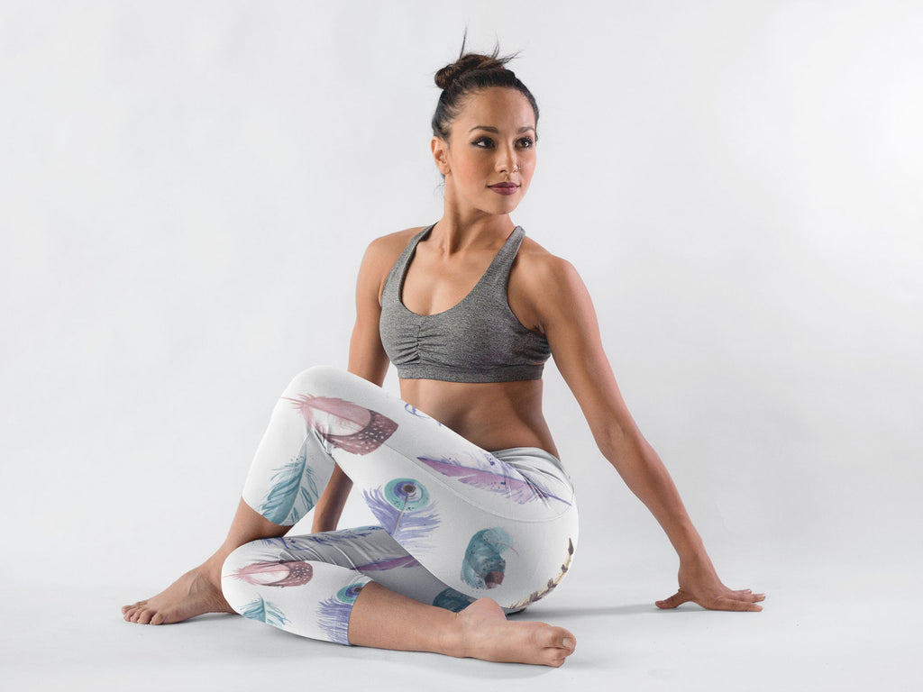 Watercolour Feathers Yoga Capri Leggings - Ayuper
